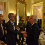 Kanzler Peter Graf zu Stolberg-Stolberg begrüßt Ordensritter Reg.rat Wilfried Marbach