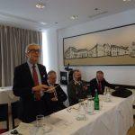 Kanzler Graf Stolberg beim Jahresbericht