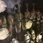 Porzellan und Glas mit Familien Familienwappen