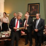 Buchpräsentation durch Ordenskanzler Stolberg